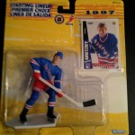 1997 nhl wayne gretzky starting lineup toy figure