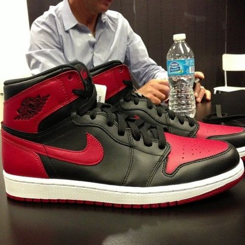 nike air jordan 1 black red retro release date