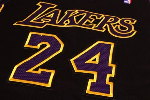 los-angeles-lakers-hollywood-nights-black-alternate-uniforms-01