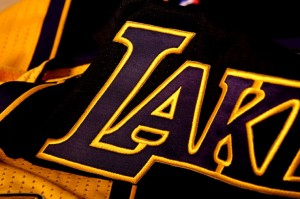 los-angeles-lakers-hollywood-nights-black-alternate-uniforms-04