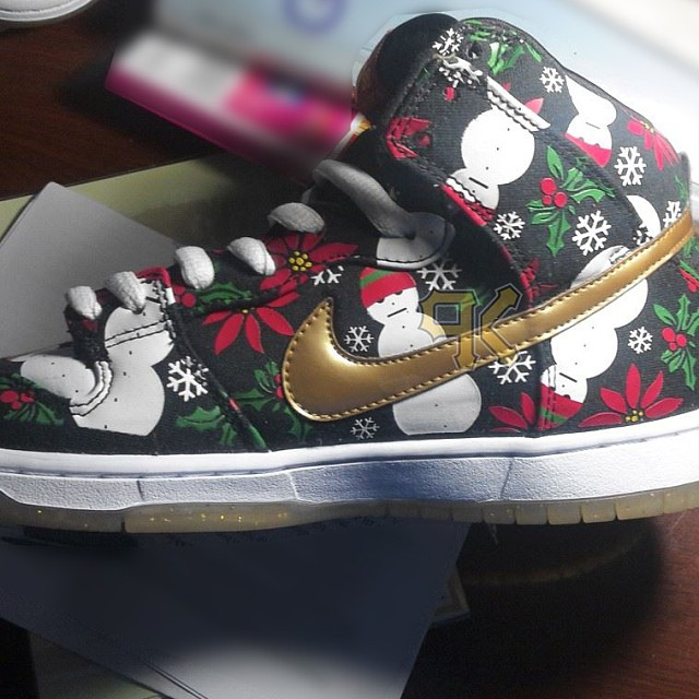 Nike dunk sb high black ugly christmas sweater