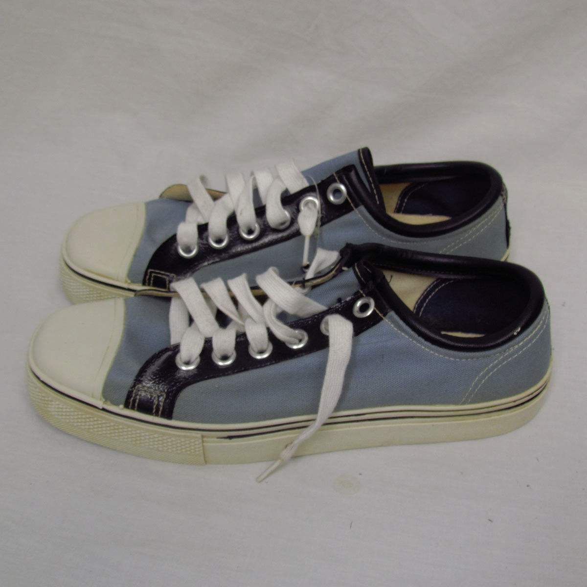 922231e9a3f2b roberto clemento sig sneakers vintage vintage roberto clemente sneakers   T2eC16N