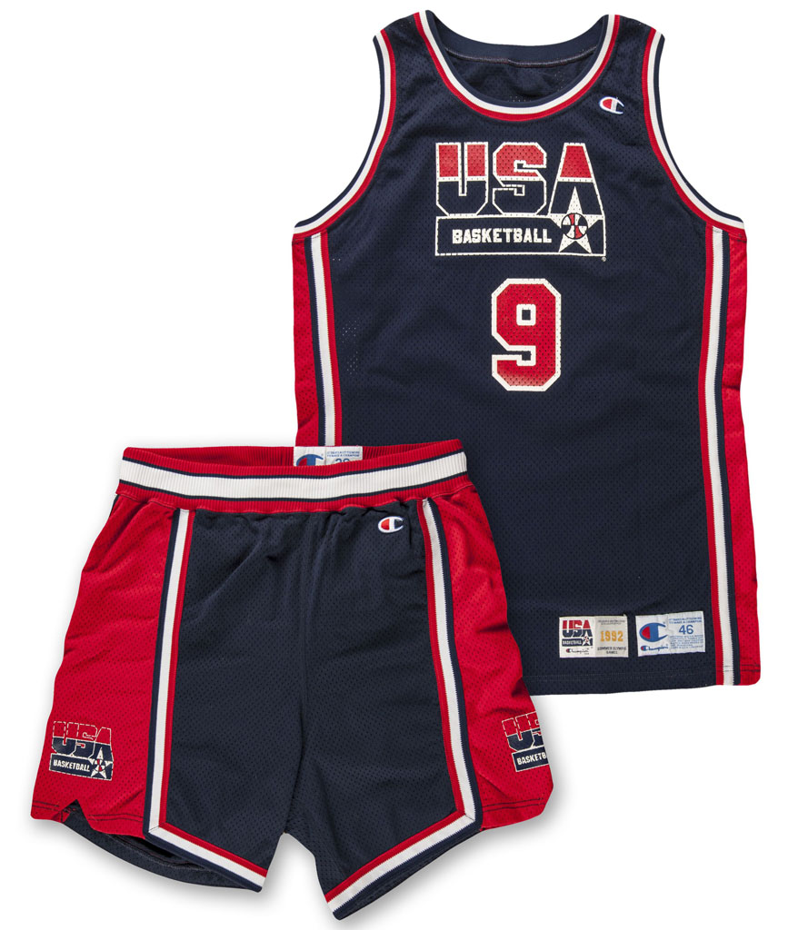 michael-jordan-dream-team-used-uniform-01