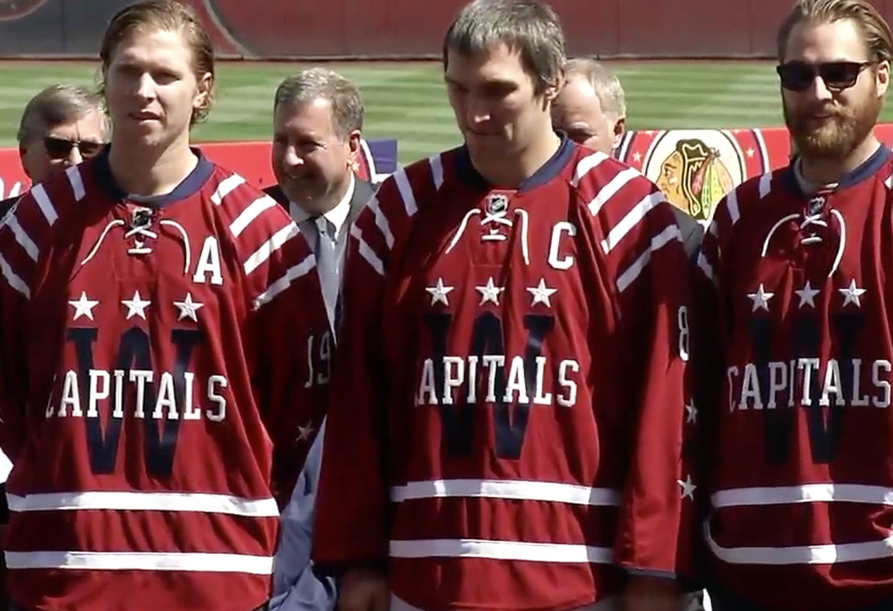 Washington Capitals 2015 NHL Bridgestone Winter Classic uniforms