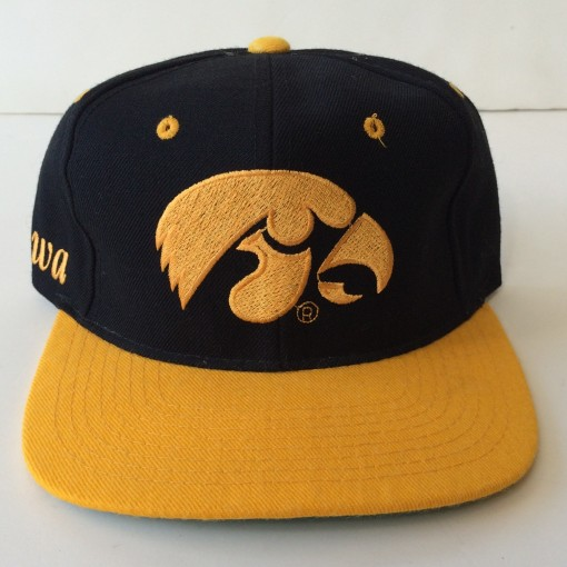 vintage iowa hawkeyes 90's ncaa snapback hat