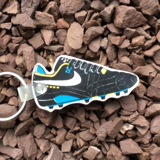vintage nike soccer cleat keychain 80's