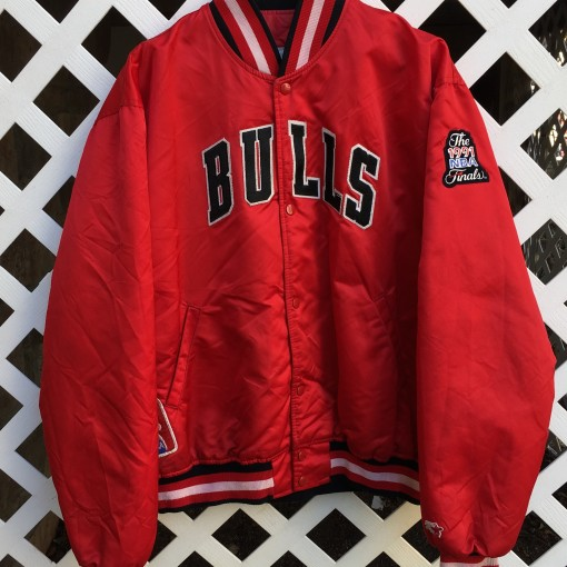 Vintage Starter Chicago Bull Satin jacket