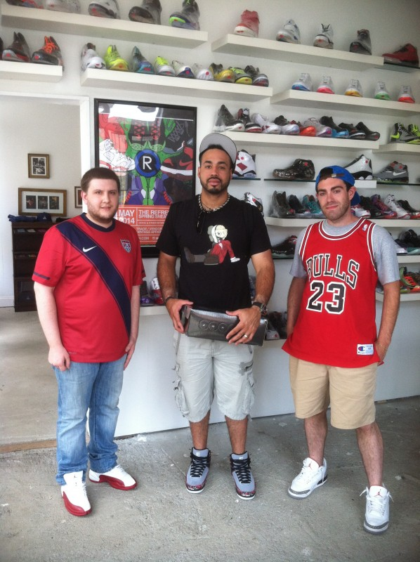 Pedro Alvarez Pittsburgh Pirates buying Sneakers from Refresh PGH & Rare Vntg