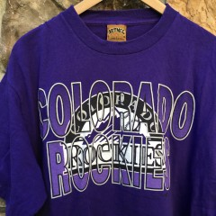 vintage size large colorado Rockies Nutmeg MLB T shir t