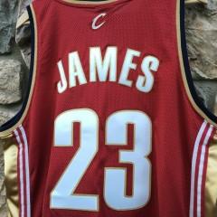 Lebron James maroon Cavaliers NBA jersey