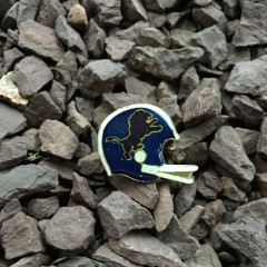 Vintage Detroit Lions 80's football helmet lapel pin