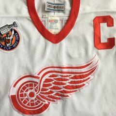 Vintage Detroit Redwings Steve Yzerman 1993 jersey