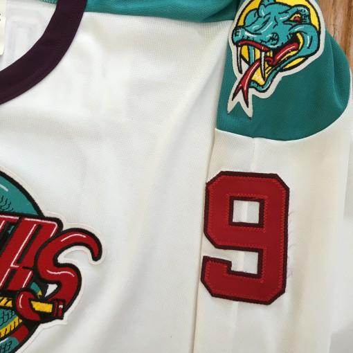Vintage Vipers Gordie Howe AHL jersey size large