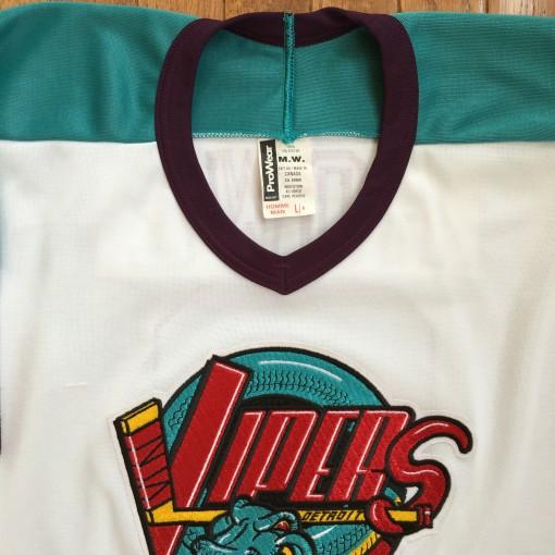 Vintage 90's Detroit Vipers AhL jersey