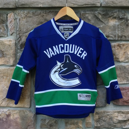 vintage Vancouver Canucks Reebok NHL jersey size youth small medium