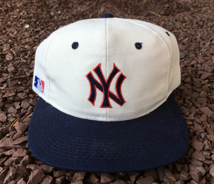 90 s New York Yankees Sports Specialties Plain Logo MLB Snapback Hat ... ebdb5ab70aaa