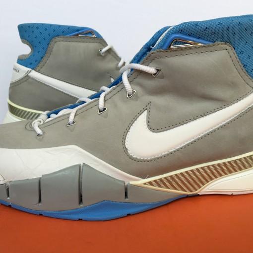 Nike Zoom Kobe 1 OG MPLS Size 12