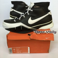vintage Nike zoom Kobe 1 sneakers OG size 12 black white sharpshooter
