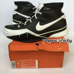 vintage Nike zoom Kobe 1 sneakers OG size 12 black white sharpshooter