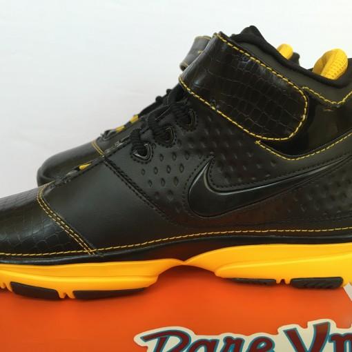 Nike original kobe bryant #2 size 6