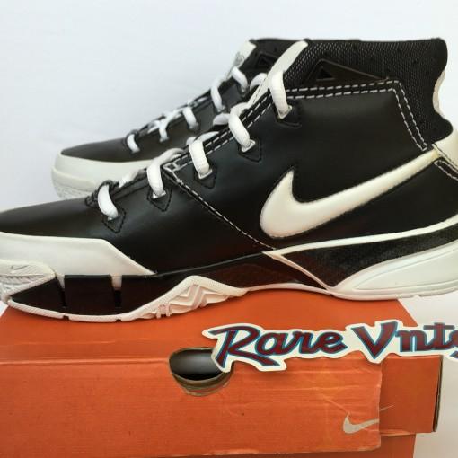 Nike zoom kobe 1 OG size 6.5