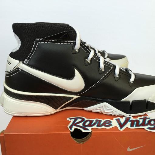 Nike zoom kobe 1 black white size 6.5