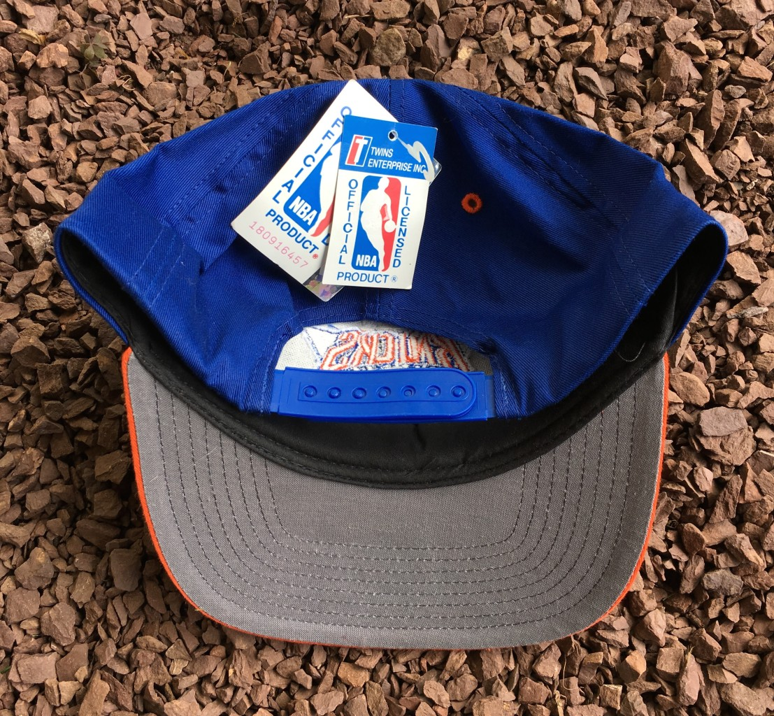 Deadstock vintage NY Knicks Twins Snapback hat 72fedf0618b9