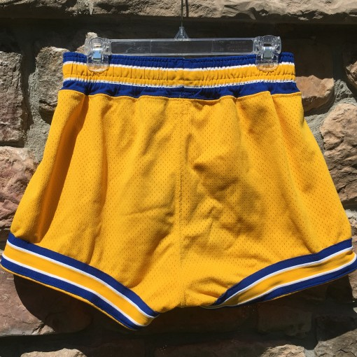 Game worn 70's University of Delaware NCAA shorts size 34