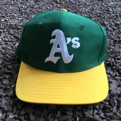 Vintage 80's Oakland A's MLB snapback hat