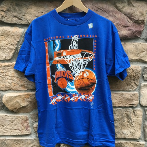 90's Logo Athletic New York Knicks NBA t shirt size XL