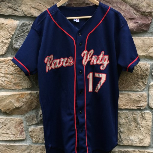 Rare Vntg Burberry russell baseball jersey size 44 large