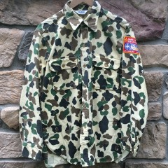 Rare vntg woolrich camo button up shirt