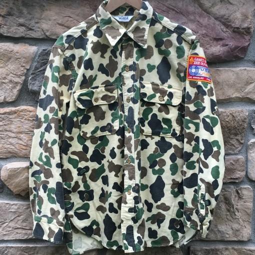 Rare vntg woolrich camo button up shirt