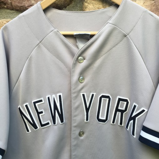 Yankees Majestic jersey size large