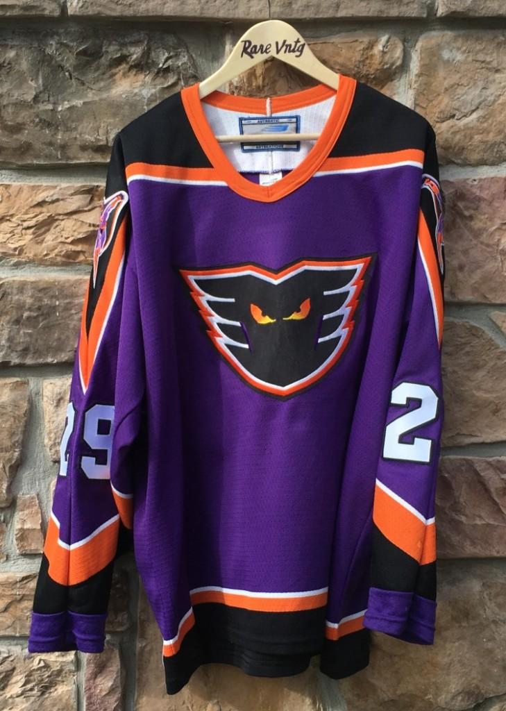 vintage Frank Bialowas Philadelphia Phantoms Bauer AHL jersey size large  purple 739621105