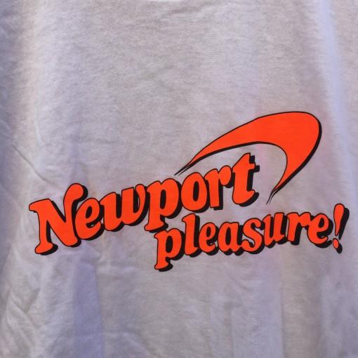 deadstock vintage 90's Newport Pleasure! Cigarette t shirt