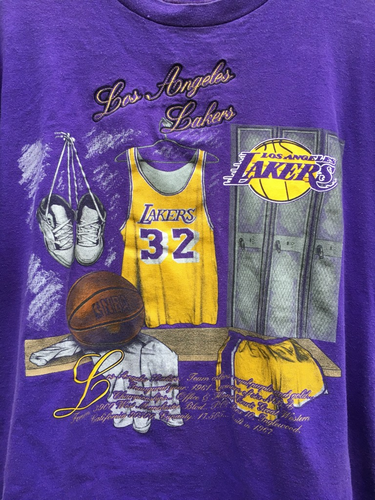 09a6a67ac69 90 s Los Angeles Lakers Magic Johnson Nutmeg NBA t shirt