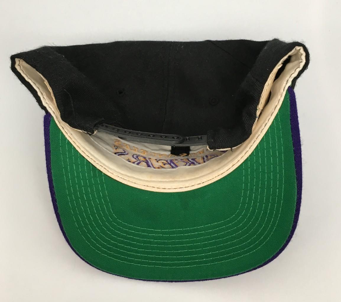 c0d0744f3a1 90 s Los Angeles Lakers Sports Specialties Script NBA Snapback Hat ...