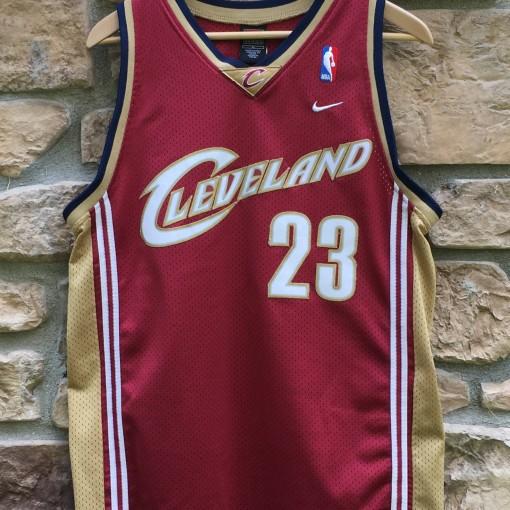 2003 Cleveland Cavaliers LeBron James Nike NBA Swingman jersey youth size XL