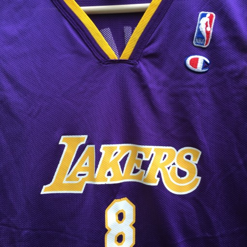 2001 Kobe Bryant Los Angeles Lakers #8 Champion Jersey youth size large purple