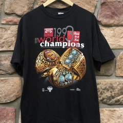 1993 Chicago Bulls Salem Sportswear NBA championship 3 rings t shirt size large