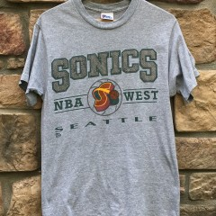 90's Seattle Super Sonics Pro Player NBA T Shirt size medium