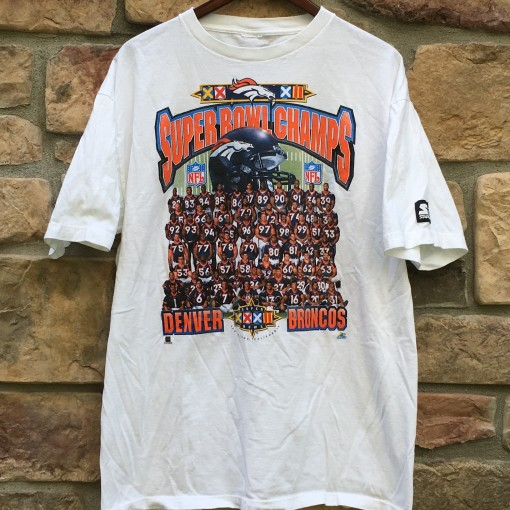 1997 Denver Broncos Super Bowl XXXII Champions Team picture starter NFL T shirt size Large