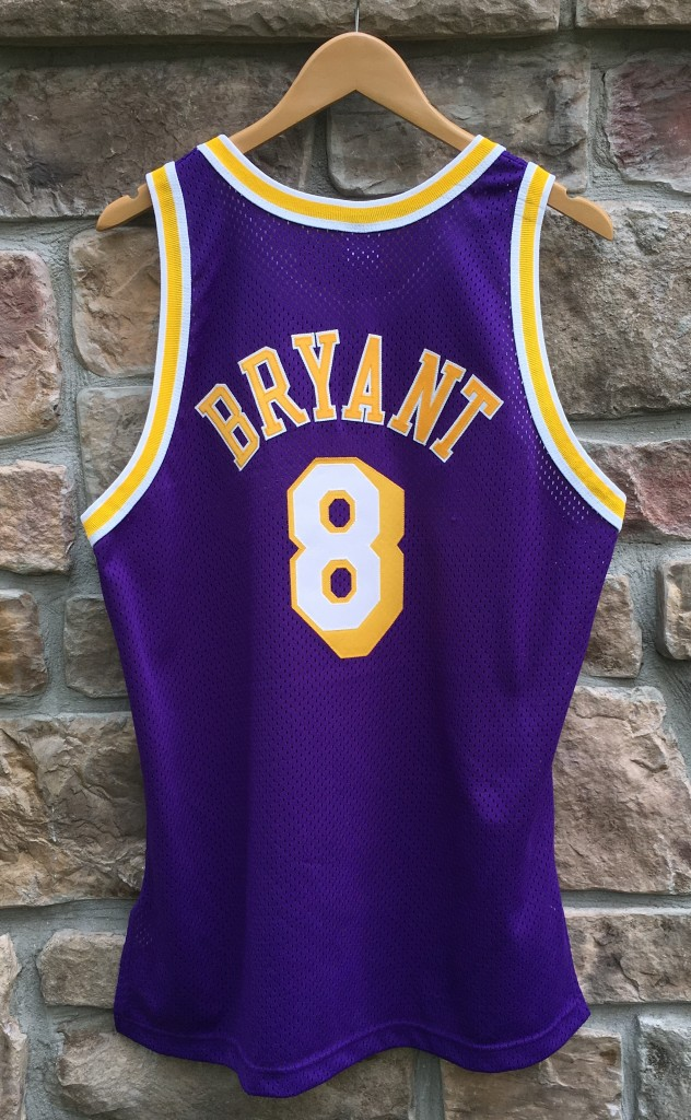 a871cca53 1998 Los Angeles Lakers Kobe Bryant Champion Purple authentic jersey size  44 large