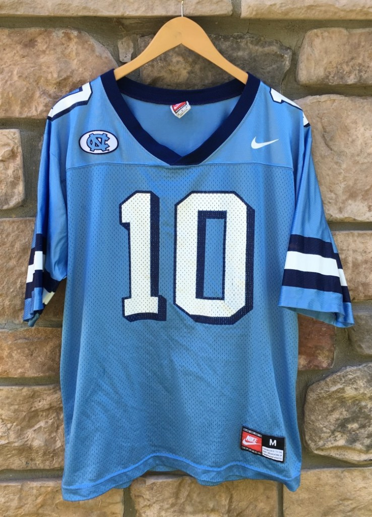 size 40 c9a70 64bca 90's North Carolina Tarheels Nike NCAA Football Jersey Size Medium
