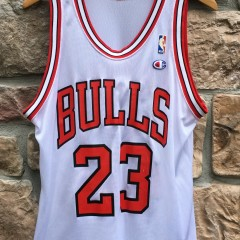 vintage 1991 Michael Jordan Chicago Bulls Champion NBA jersey white size 40 medium