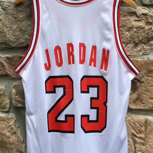 vintage 1991 Michael Jordan Chicago Bulls Champion NBA jersey white size 40 medium