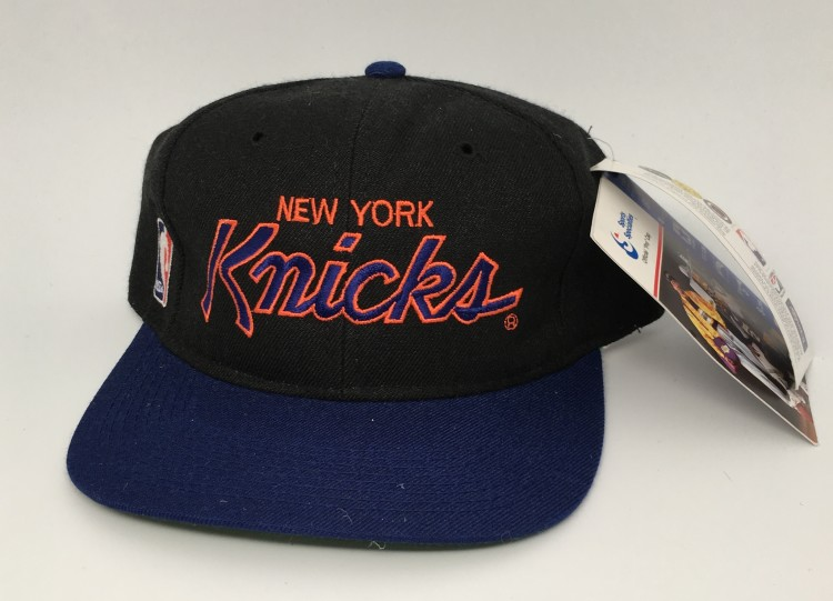 90 s New York Knicks Sports Specialties Script NBA snapback hat deadstock 939b7f97d873