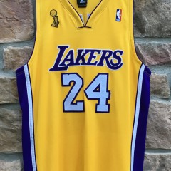 2009 Los Angeles Lakers Kobe Bryant Authentic LA Lakers Adidas NBA Jersey size 44 Large