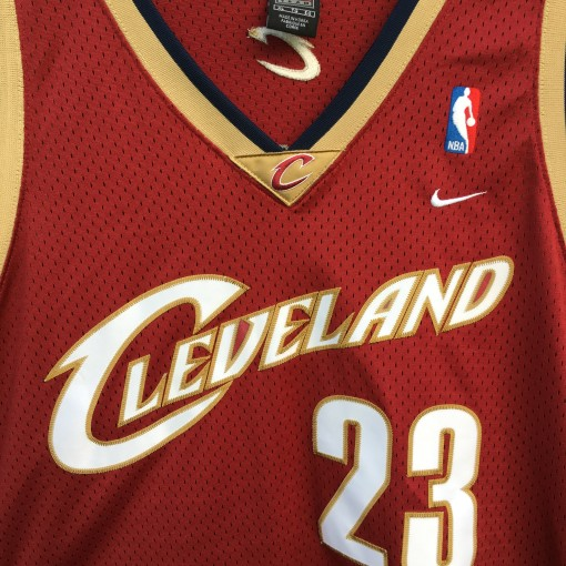 2003 LeBron James Cleveland Cavaliers Nike swingman nba jersey size XL maroon
